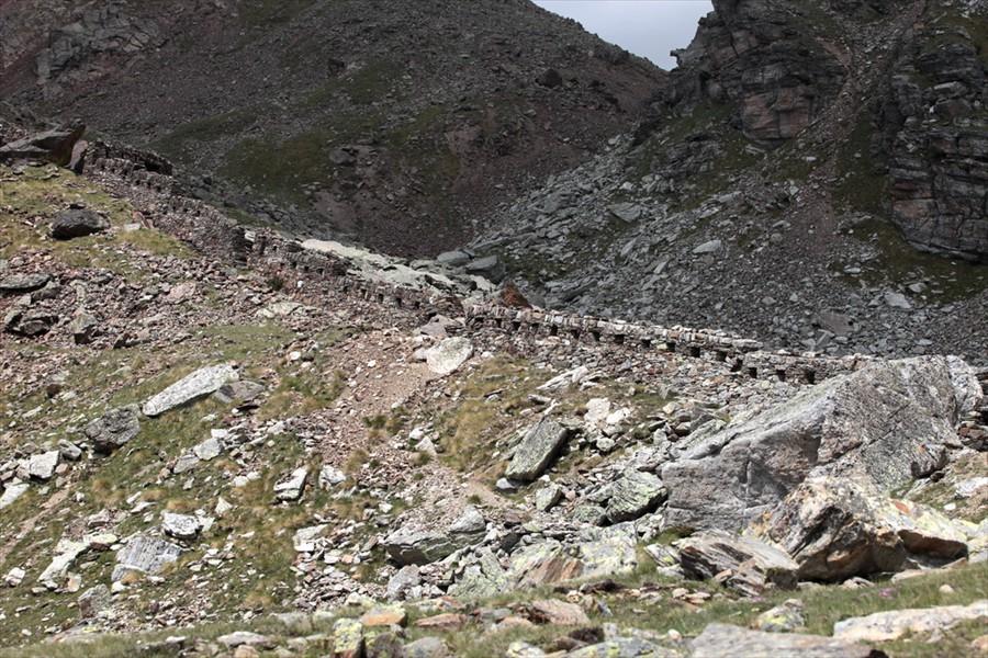 avevano fortificato quale prima linea arretrata del sistema difensivo, anche perché punto dominante sulla strada del Gavia.