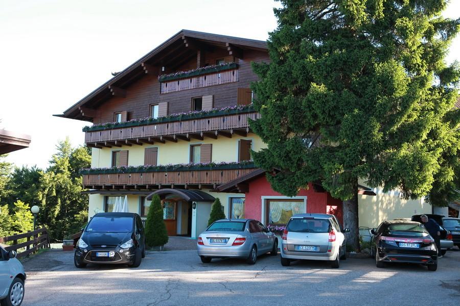 ... il nostro campo base presso l'Albergo Villa Cristina a Serrada di Folgaria...