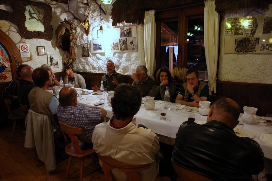 ... Rifugio Dibona, Franz ci ha raccontato tante storie vere...