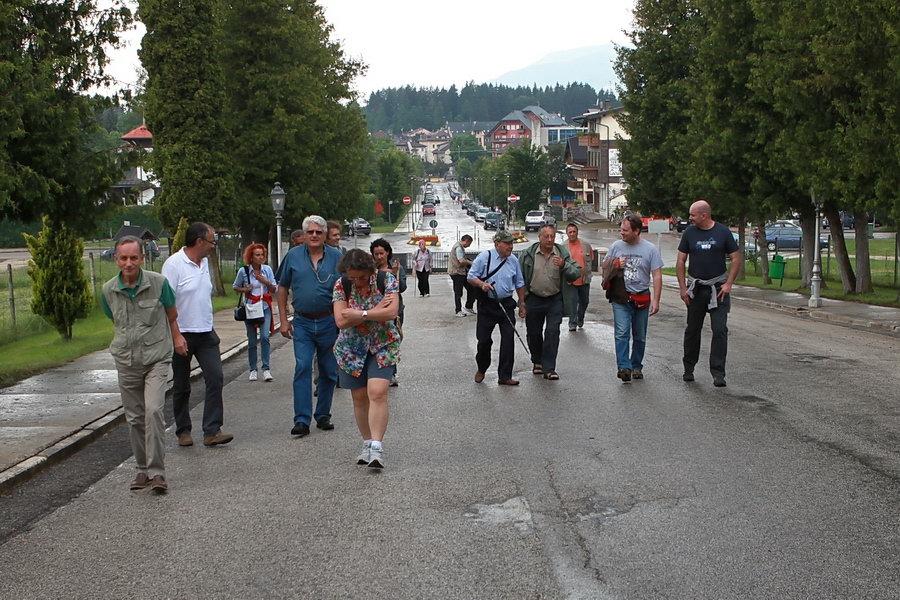... 22 e 23 giugno accompagnati da Franco Bottazzi siamo venuti sull'Altipiano di Asiago e poi siamo saliti sull'Ortigara...